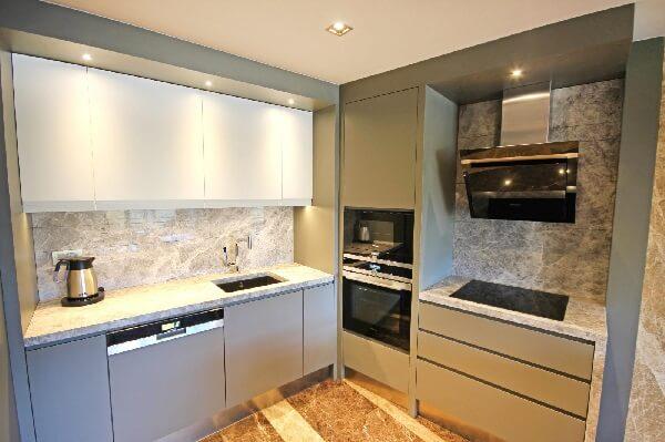 Кухня одной из квартир Ривьеры Империал Делюкс
