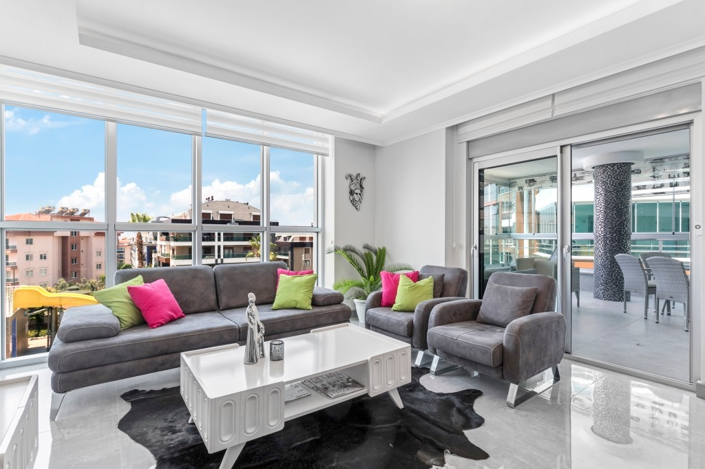 2+1 Меблированная квартира в жилом комплексе с красивой обустроенной территорией в Оба