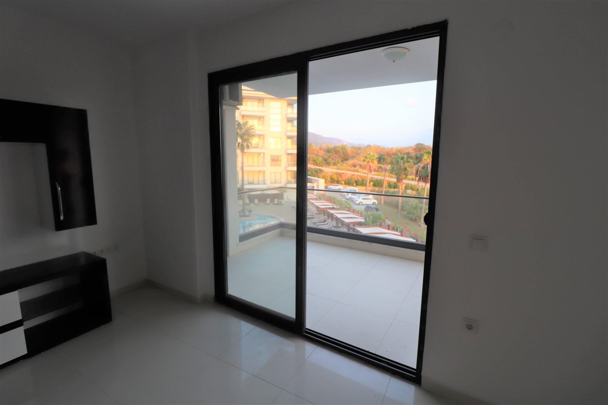 1+1  квартира в элитном комплексе  на берегу моря