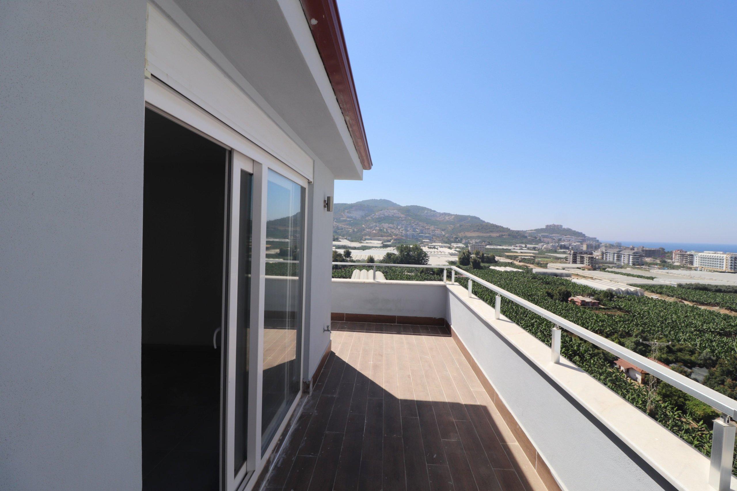 3+1 Просторный пентхаус с панорамным видом на море и горы