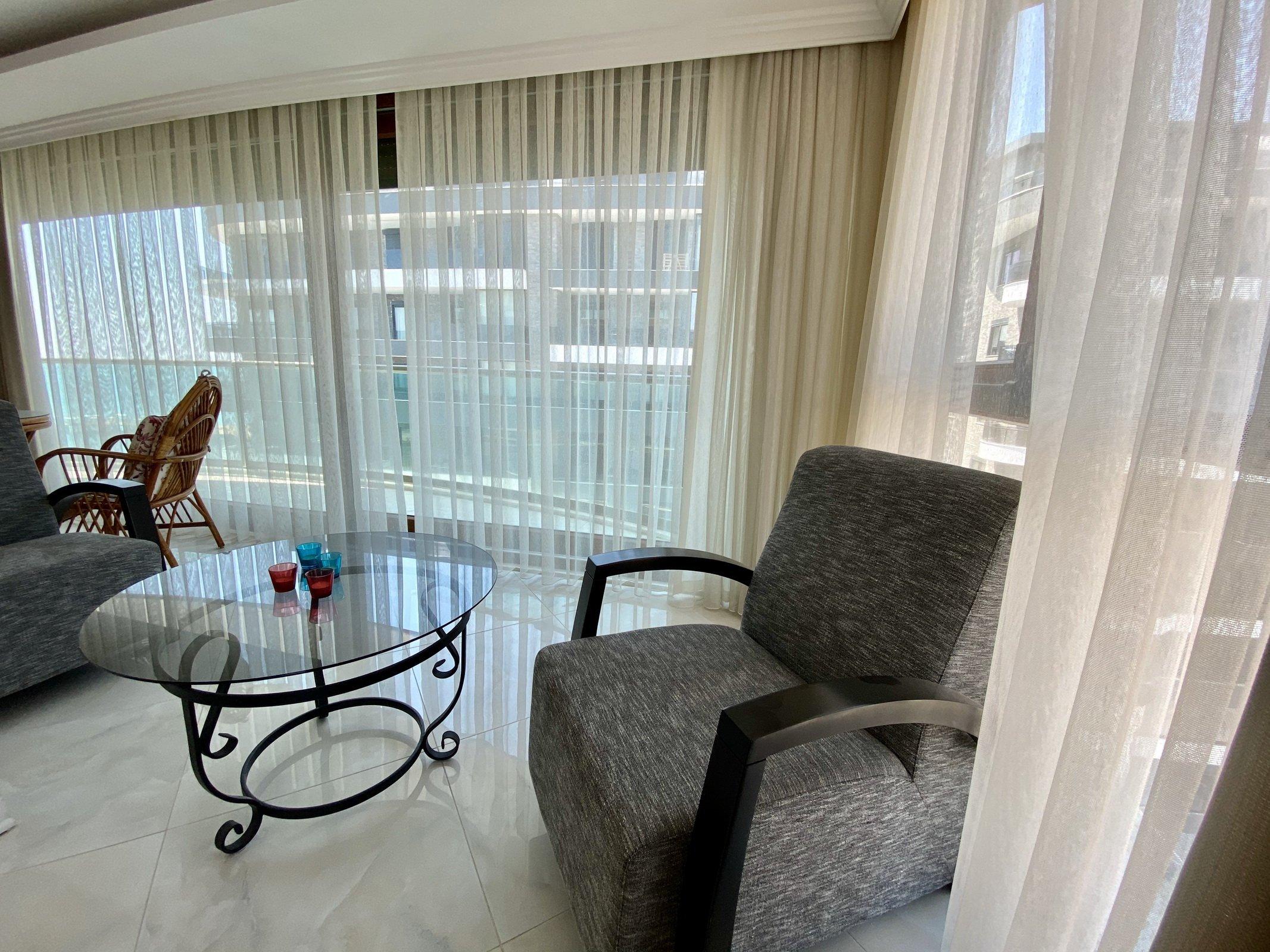 3+1 Меблированная квартира с красивым панорамным видом на первой линии моря в Оба