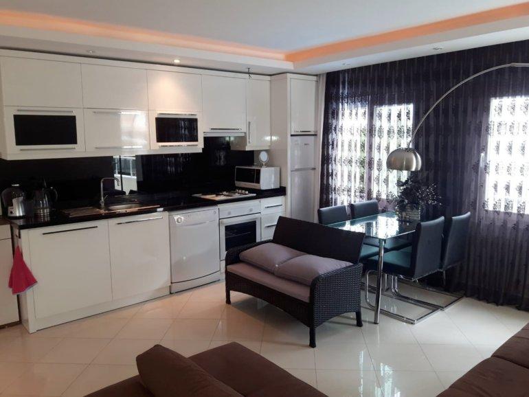 1+1 Меблированная квартира в самом престижном районе, рядом с песчанным пляжем и центром города
