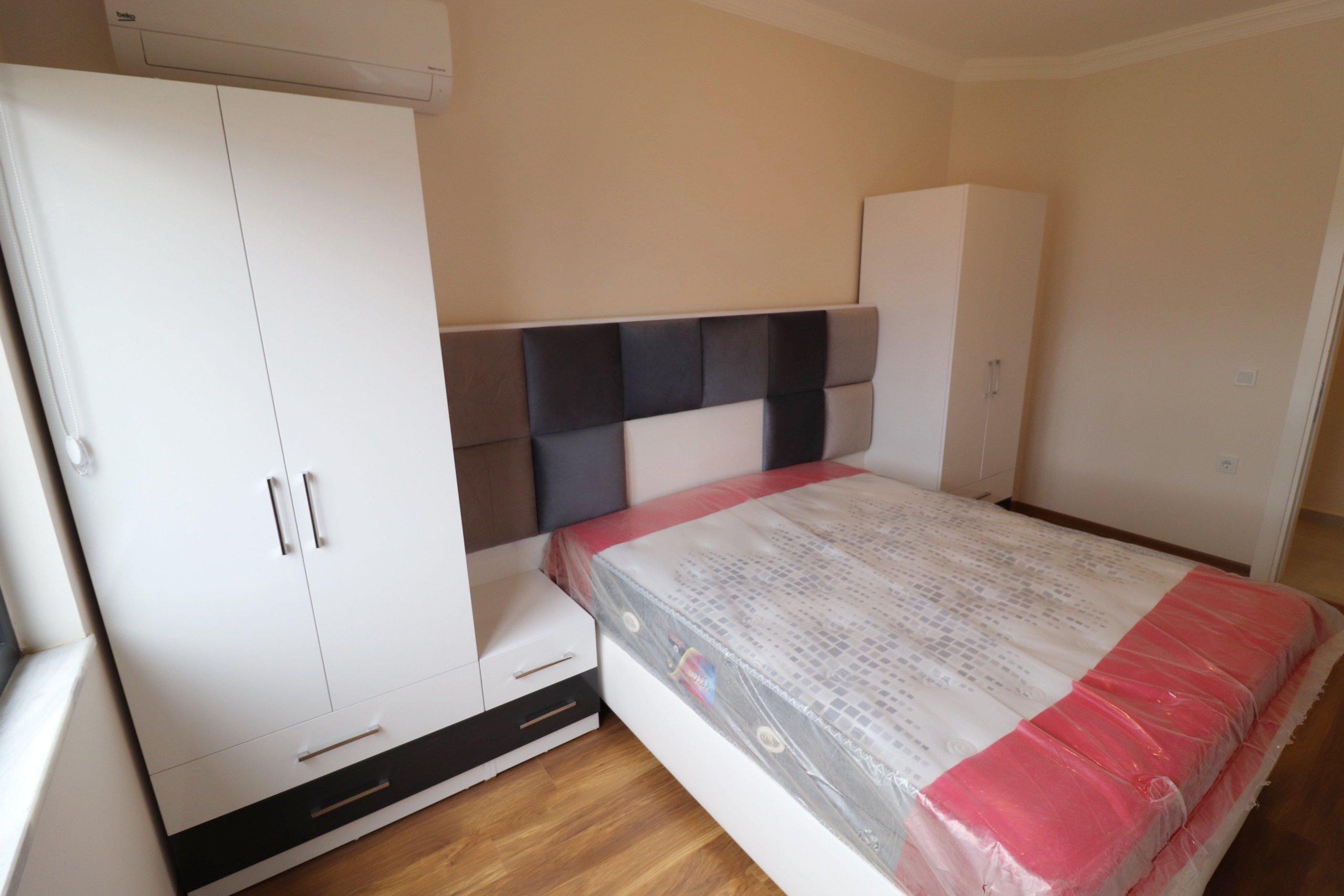 Просторная квартира с шикарной мебелью и бытовой техникой в люкс резиденции
