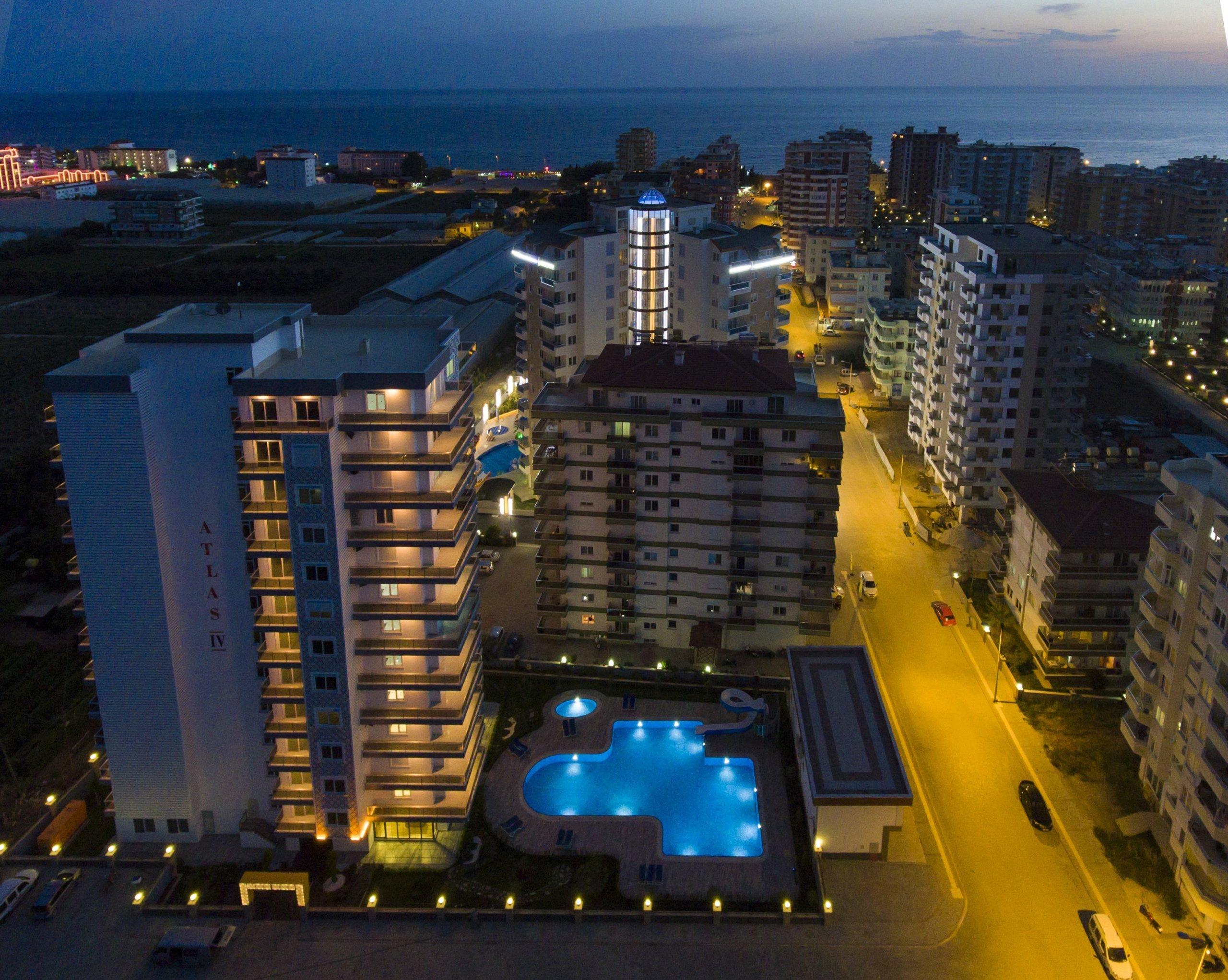 Светлая двухуровневая квартира  улучшенной планировки с видом на море