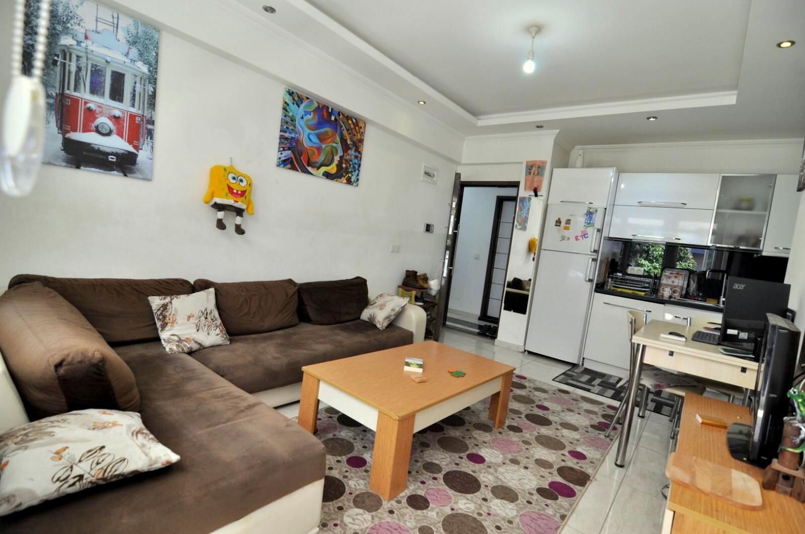 Небольшая двухкомнатная меблированная квартира в самом центре Алании