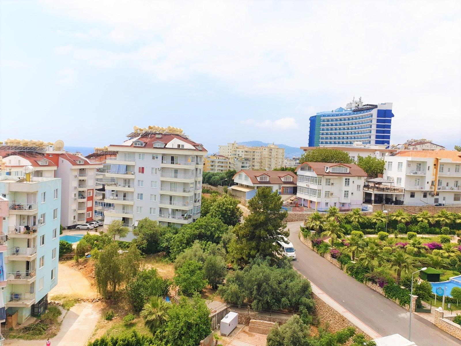 2+1 Меблированная квартира с видом на горы вблизи песчанного пляжа
