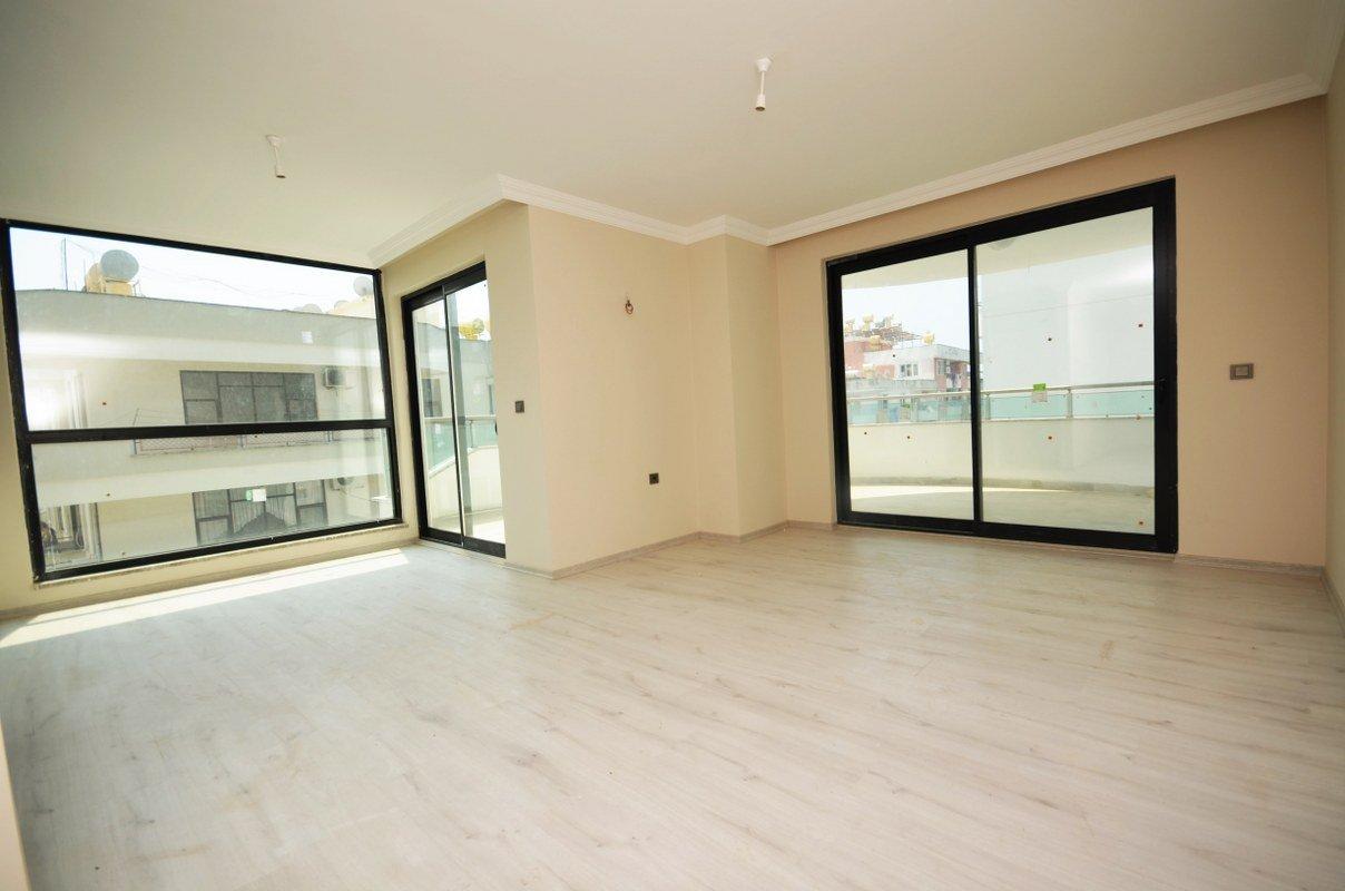2+1 Квартира в новом доме в центре Махмутлара