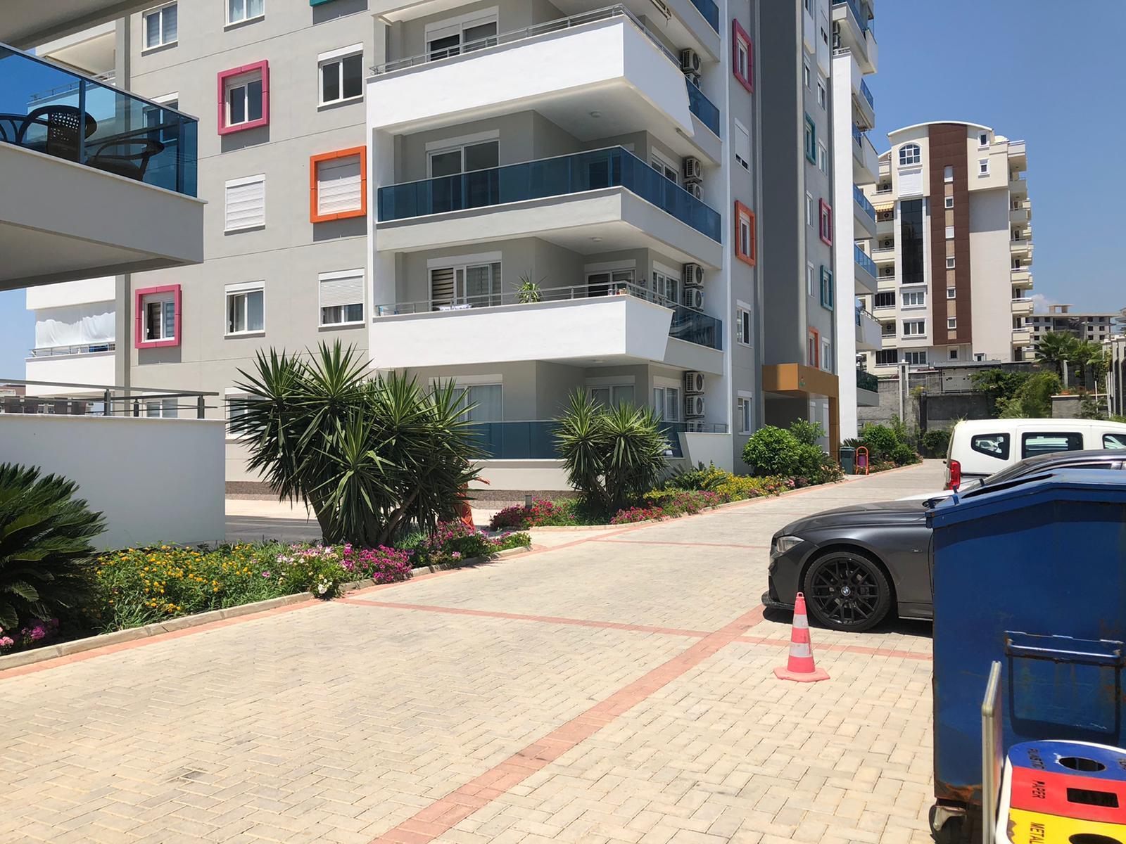 1+1 Квартира с красивым видом на море в жилом комплексе с большой территорией