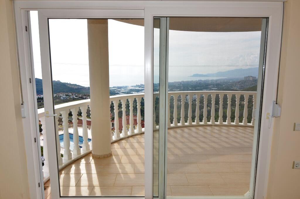 Вилла с шикарным панорамным видом на море и горы