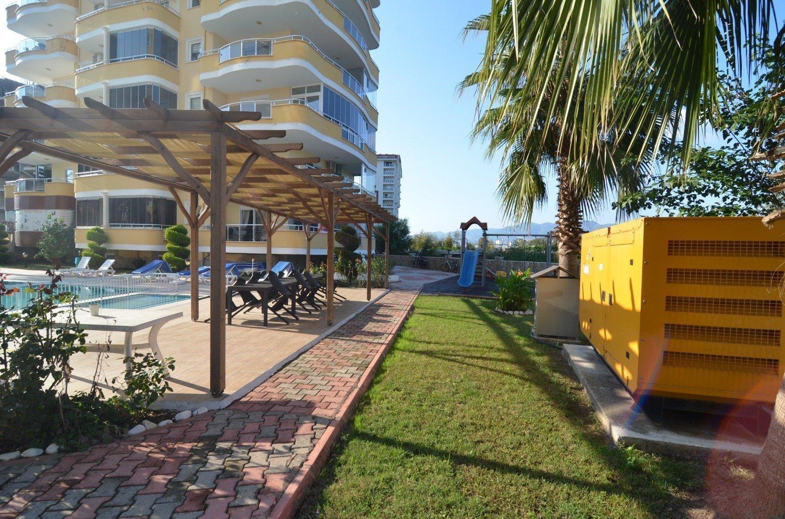 2+1 Меблированная квартира с видом на море и горы в аренду на год