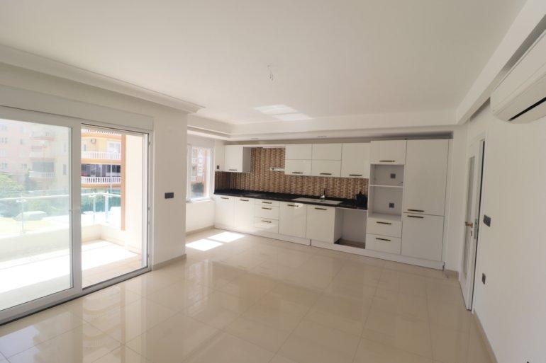 Трехкомнатная новая квартира в прекрасной резиденции рядом с морем