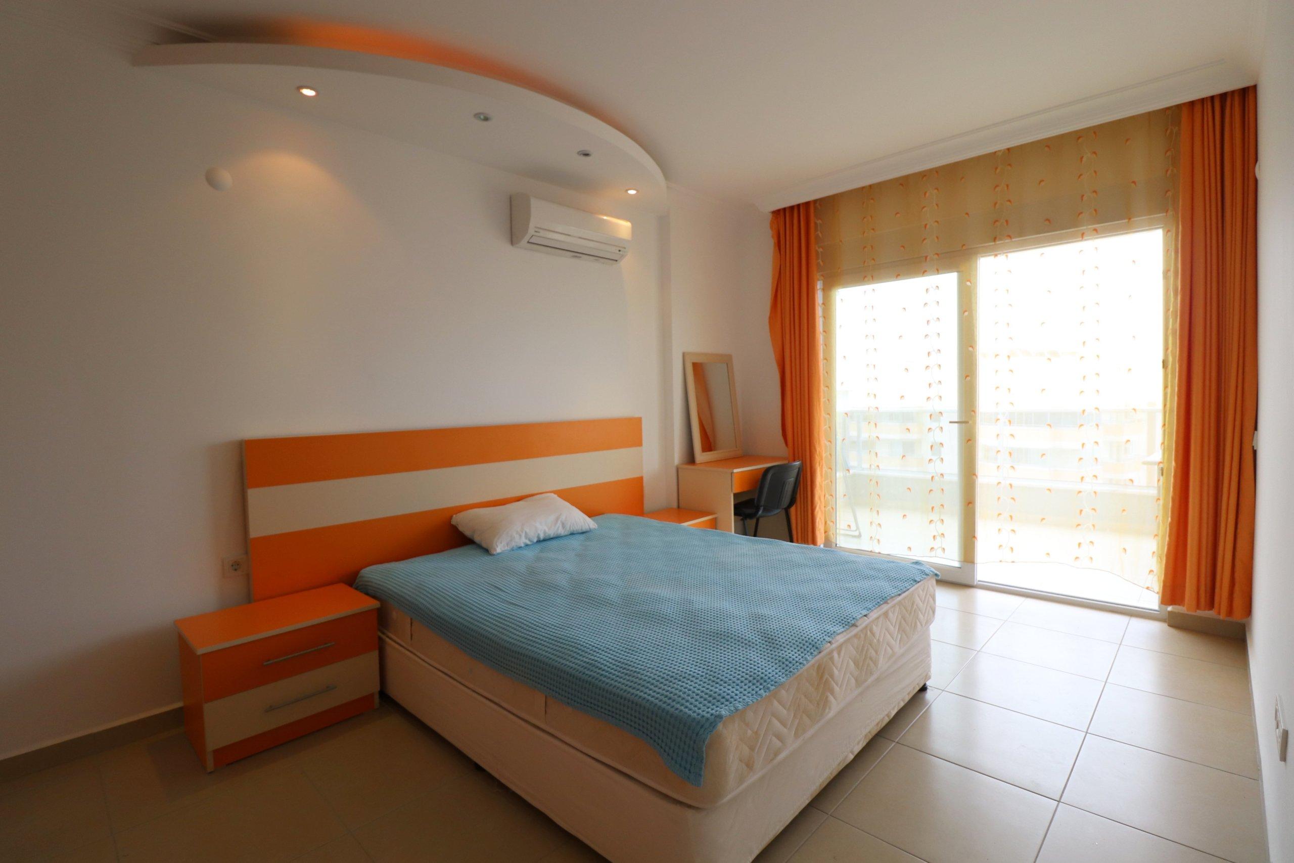 Просторная меблированная квартира 1+1  с видом на море
