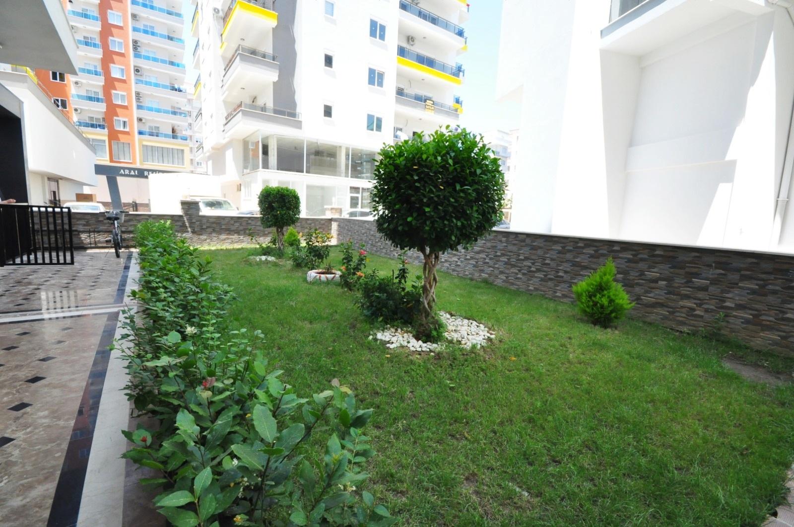 2+1 Новая квартира на 5 этаже с видом на горы в доме с бассейном