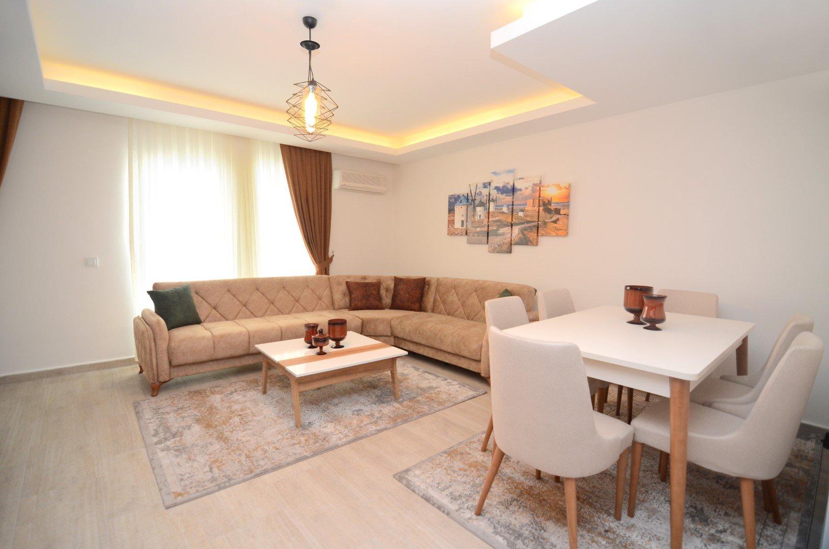 2+1 Просторный  пентхаус обустроенный новой мебелью в тихом районе города