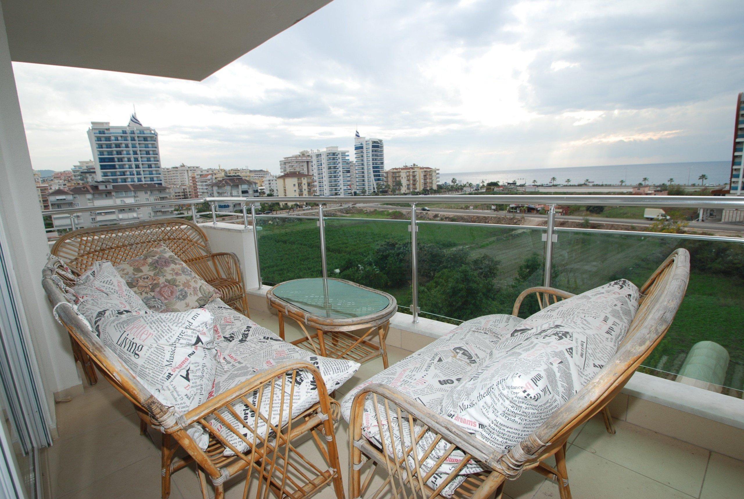 Меблированный пентхаус с 4 спальнями и панорамным видом на море