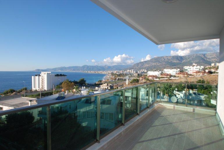 2+1 Квартира с великолепным панорамным видом на море
