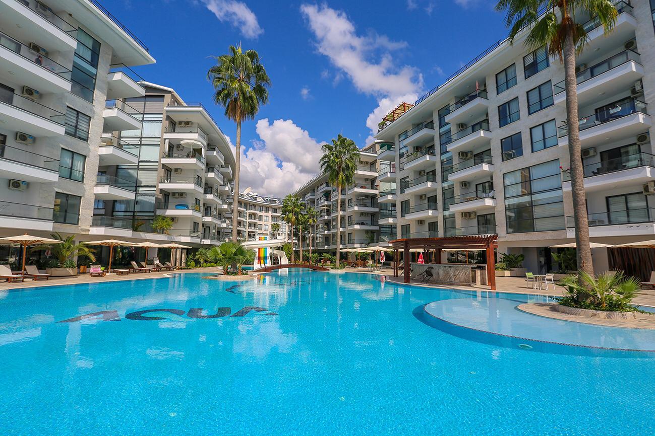 1+1 Квартира в жилом комплексе класса люкс с красивой территорией и олимпийских размеров бассейном