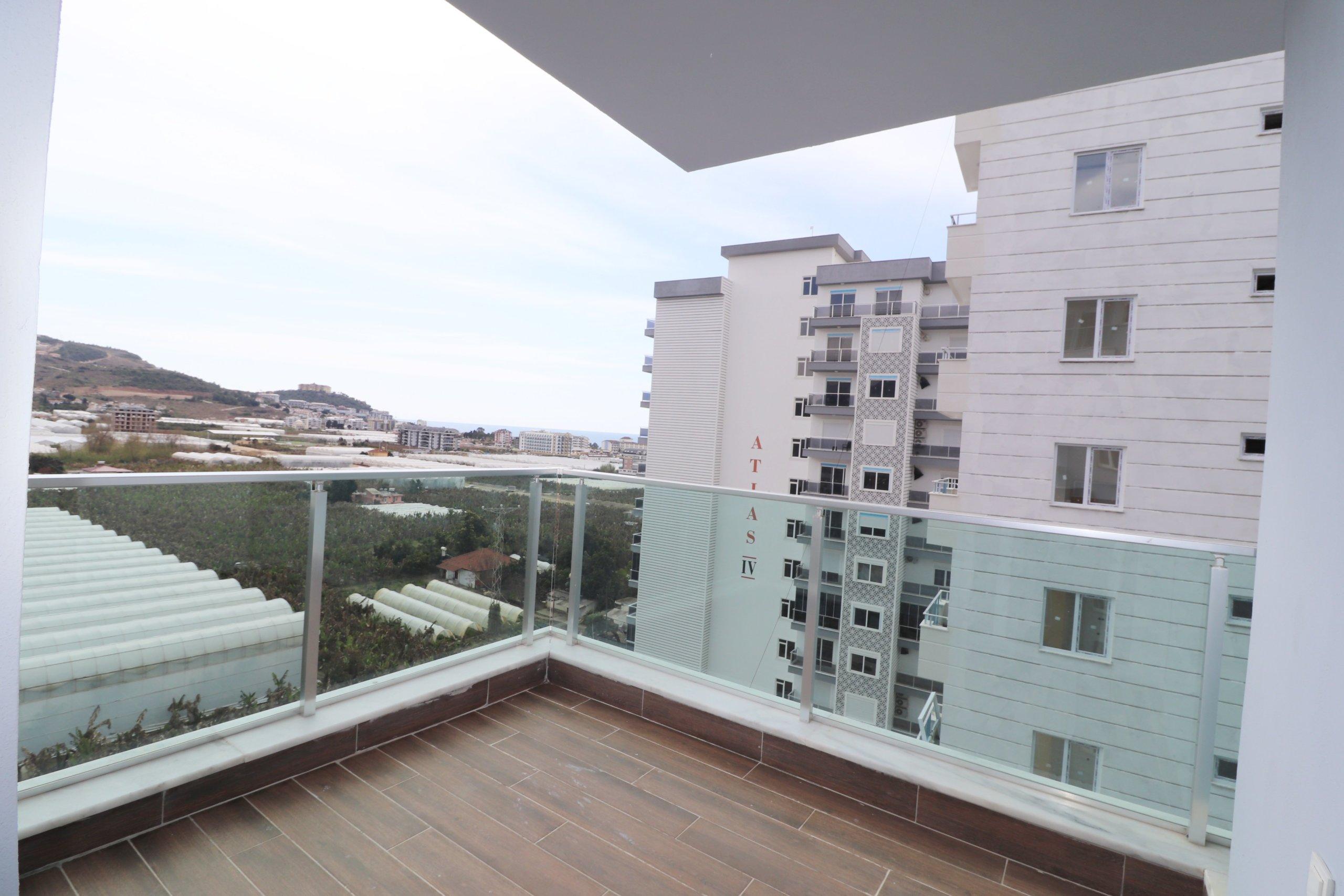 Двухкомнатная меблированная квартира в новом доме с бассейном