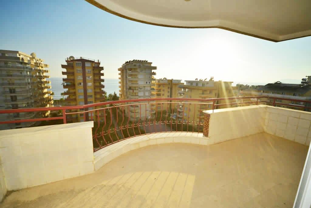 2+1 Квартира на высоком этаже с видом на море