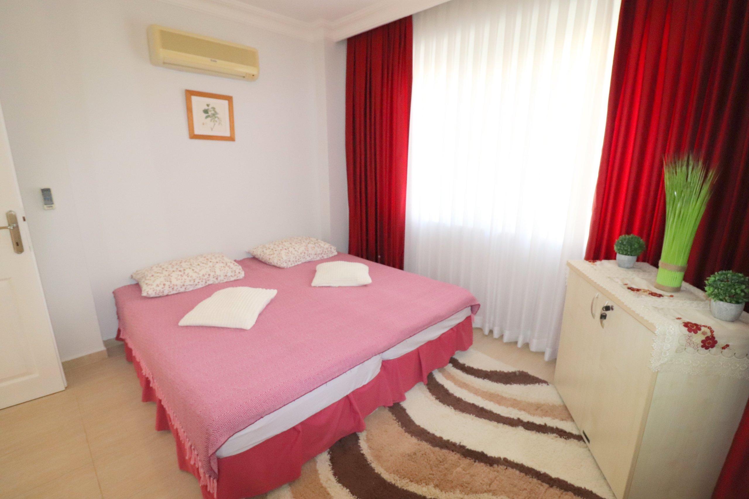 Трехкомнатная квартира для отдыха в жилом комплексе с большой красивой территорией