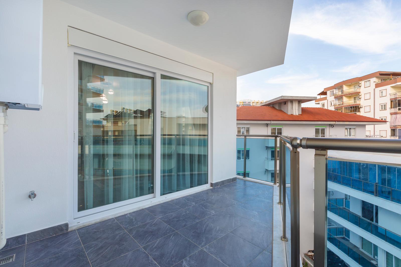 Трехкомнатная красивая квартира в жилом комплексе с богатой инфраструктурой