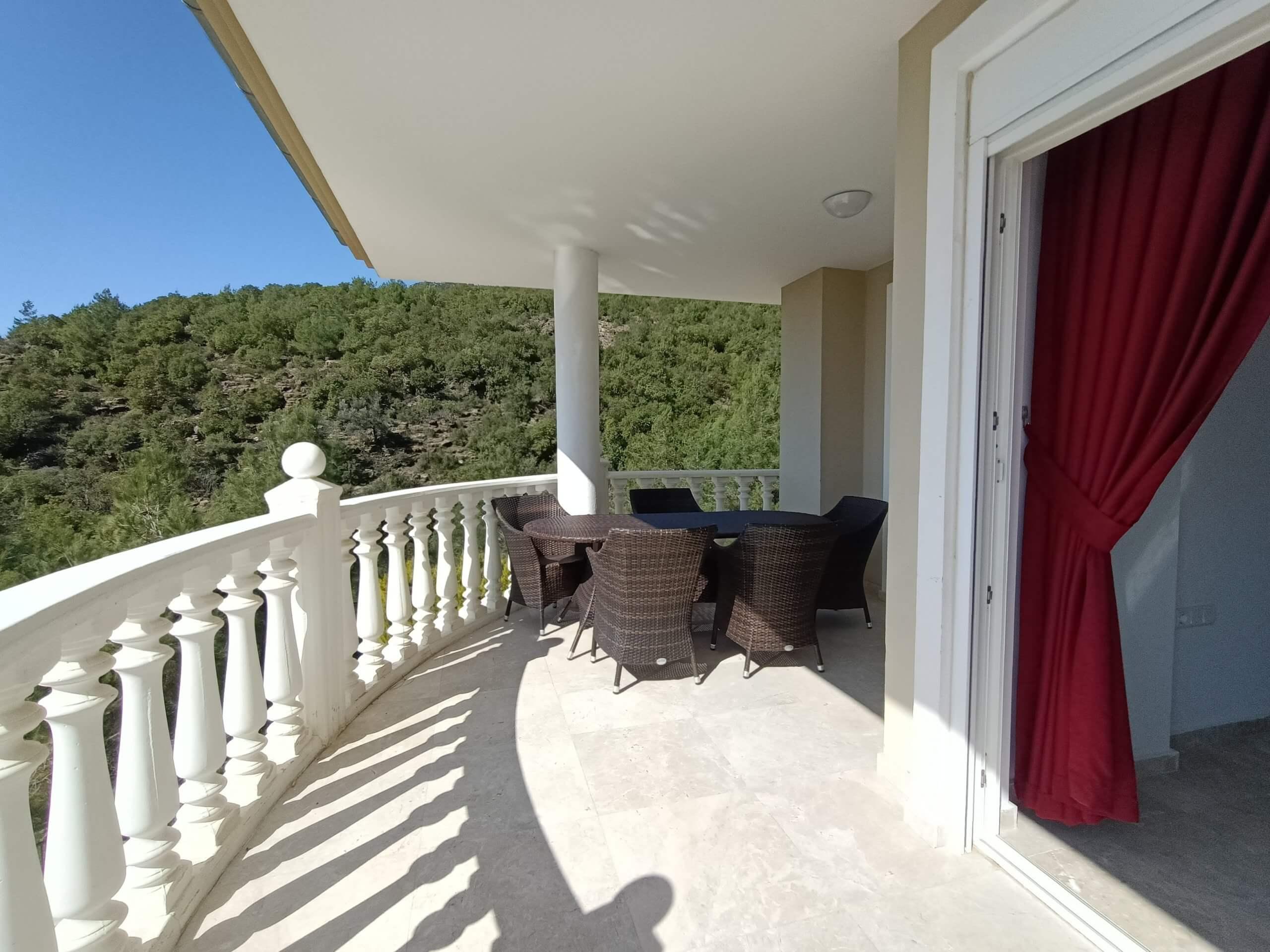 Частная меблированная вилла с панорамным видом на море и горы