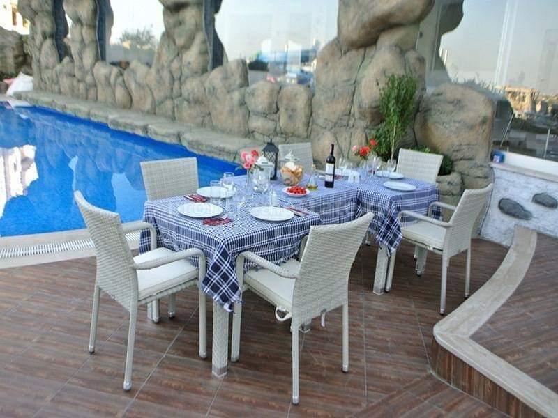 Трехкомнатная меблированная квартира с видом на море и горы в Авсалларе