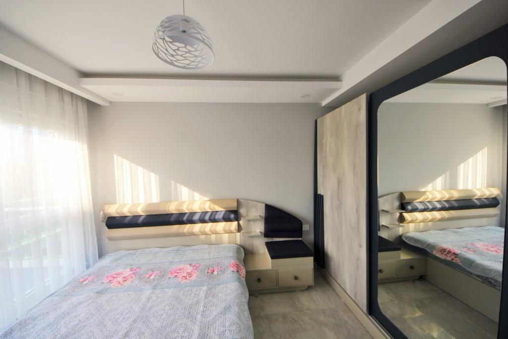 Новая светлая меблированная двухкомнатная квартира на 5 этаже