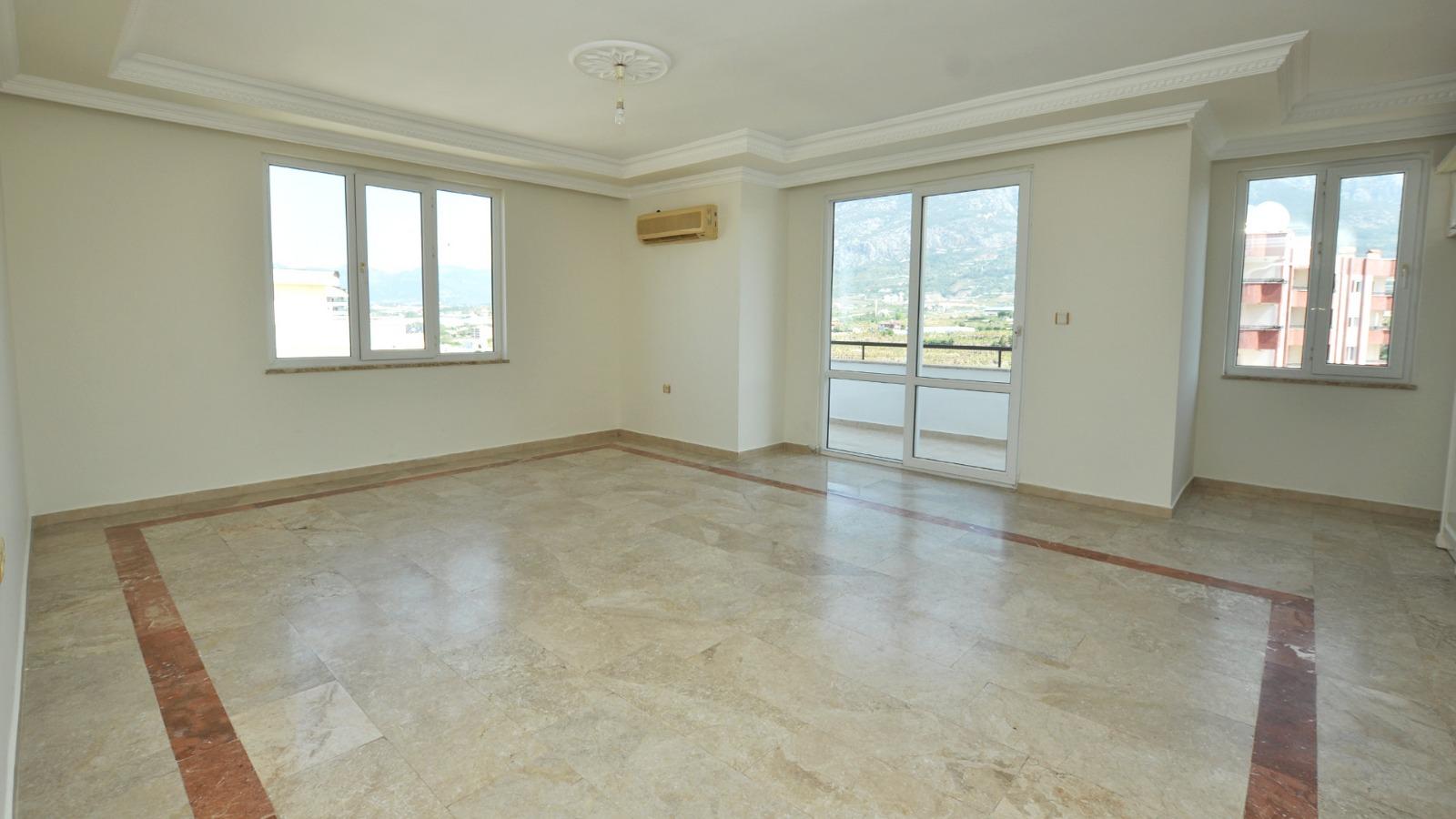 3+1 Квартира с видом на море и горы в жилом комплексе с инфраструктурой на территории