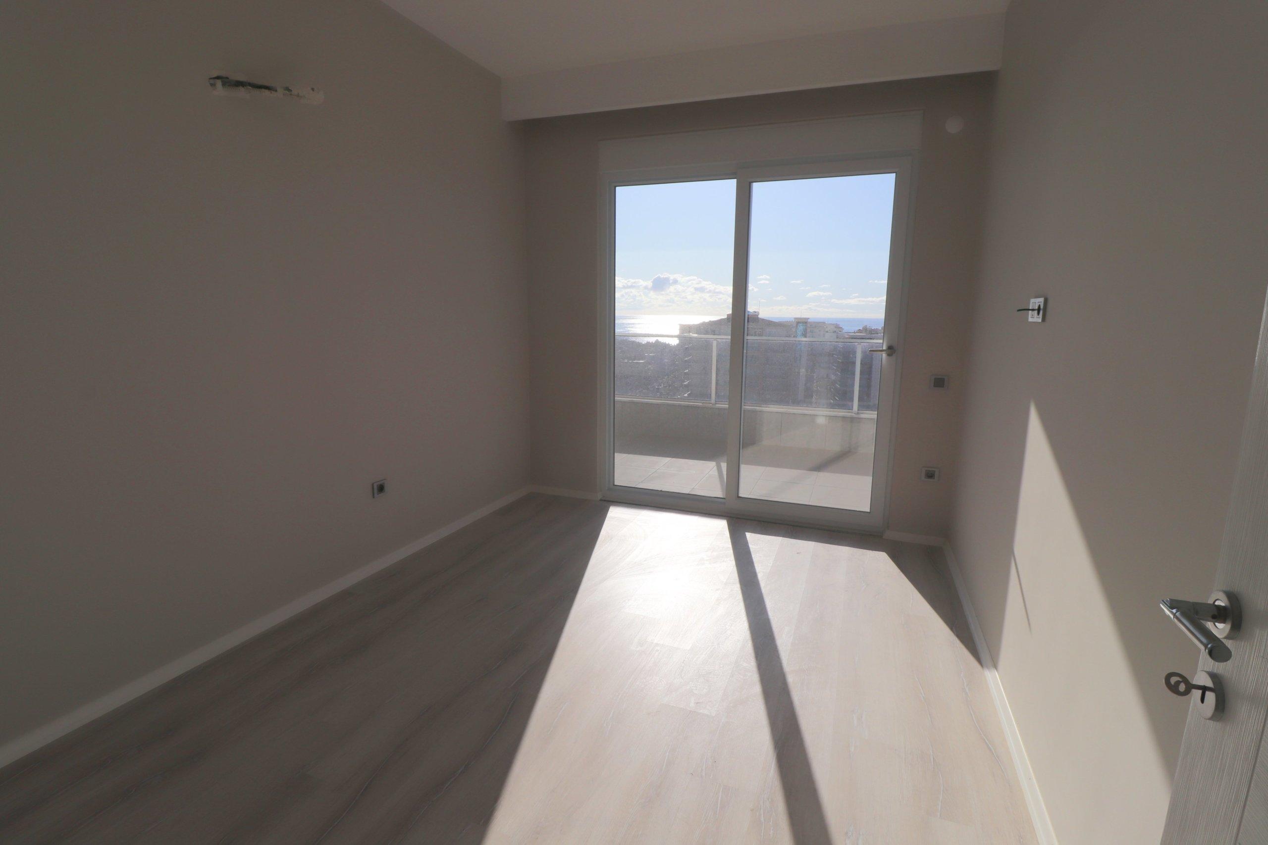 4+1 Новая очень просторная квартира с великолепным панорамным видом
