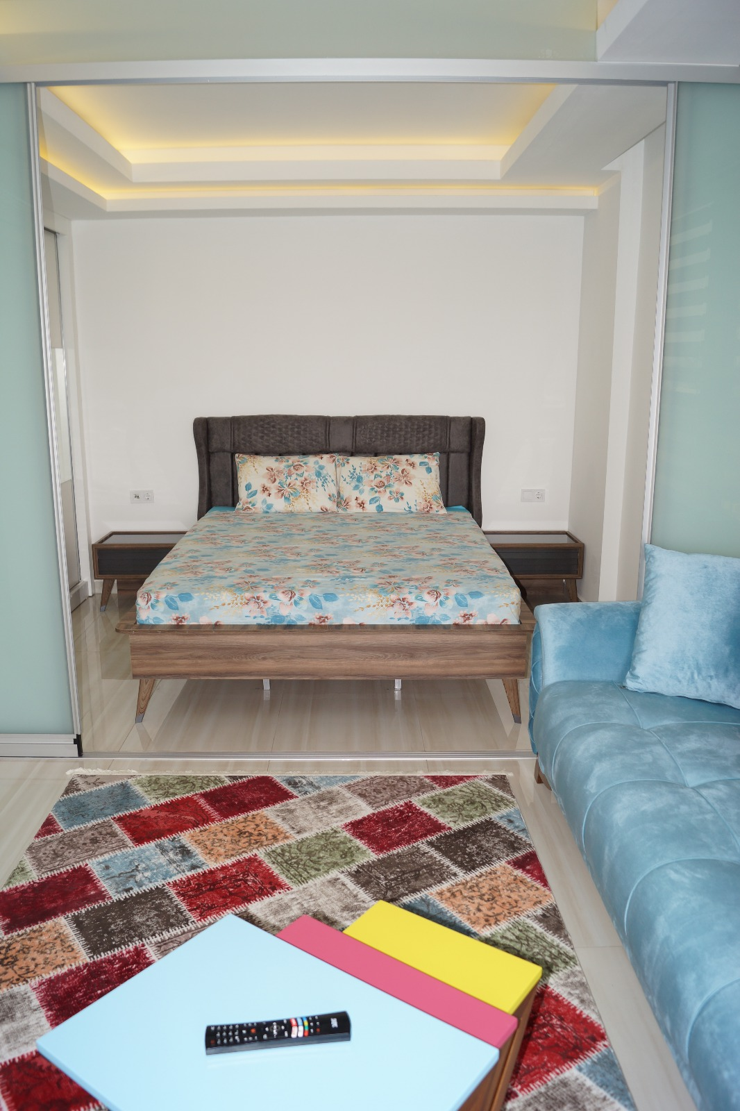 Меблированная однокомнатная квартира с видом на море