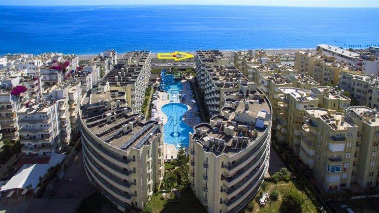2+1 Квартира с панорамным видом на первой линии моря
