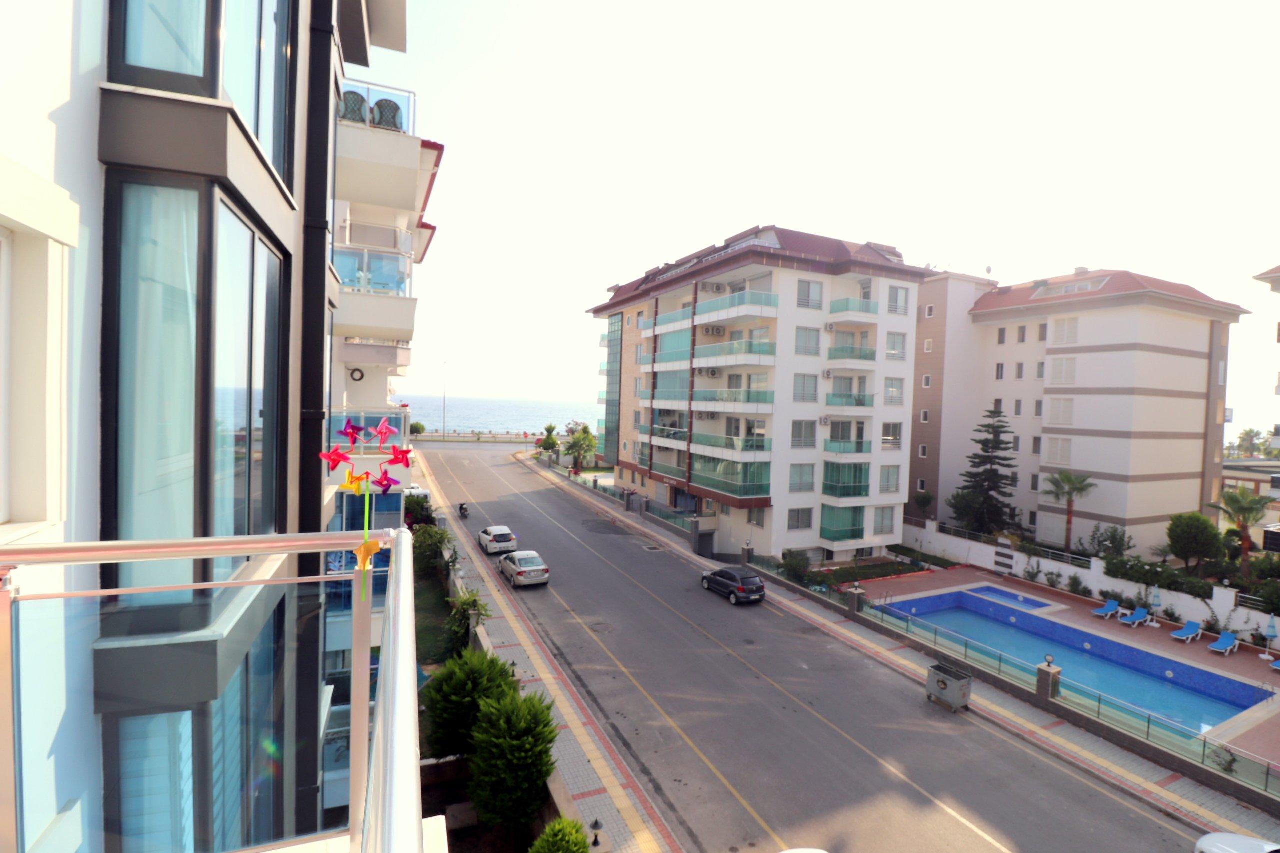 Трехкомнатная квартира рядом с морем в Кестеле
