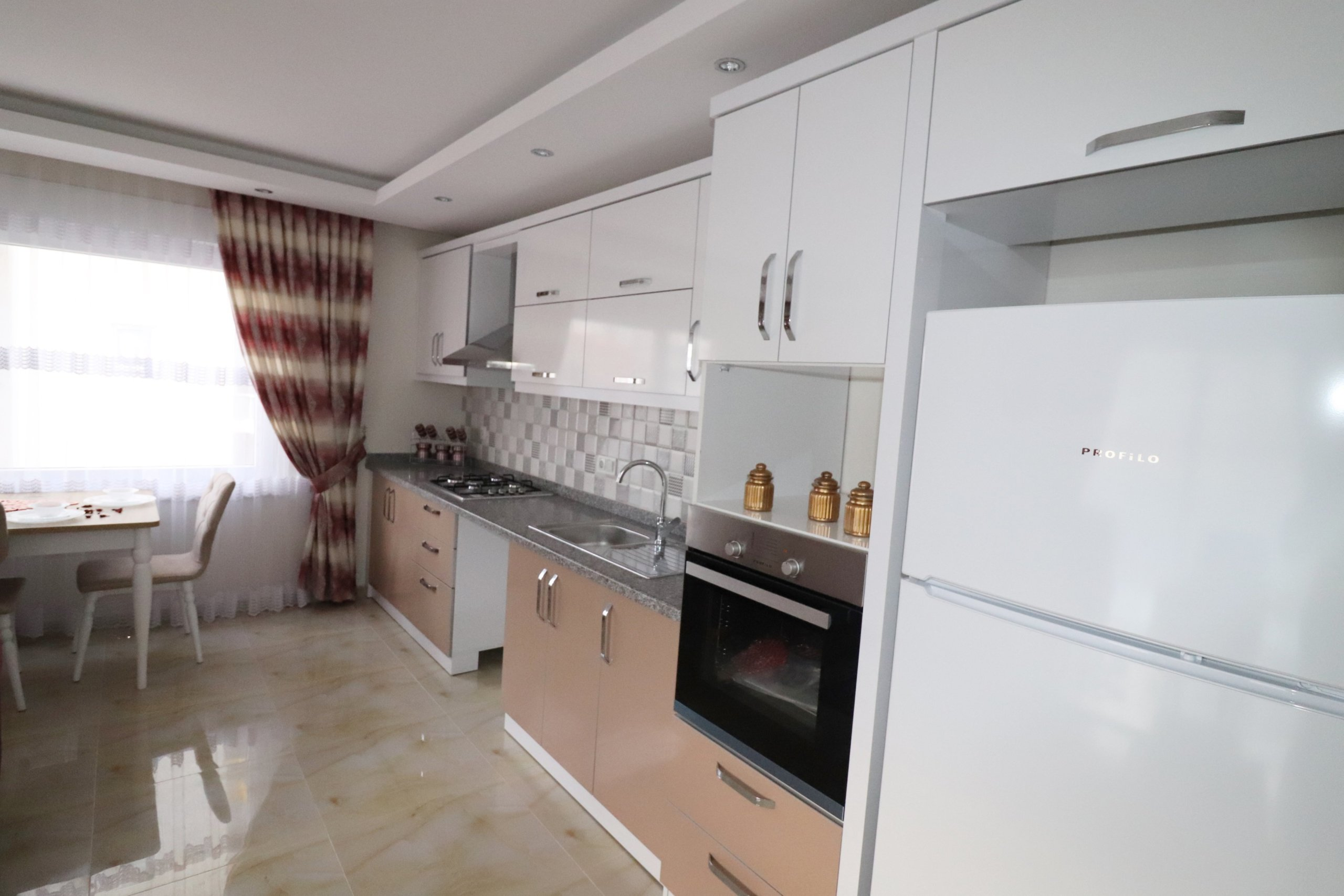 2+1 Новая меблированная квартира на берегу моря
