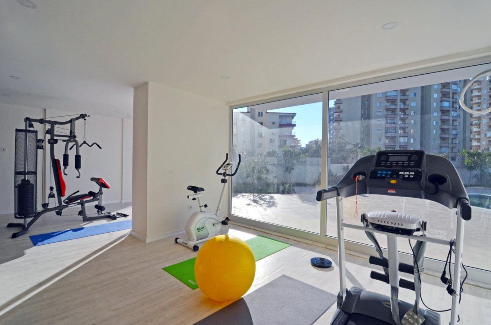 Двухкомнатная меблированная квартира для отдыха в новом доме с бассейном
