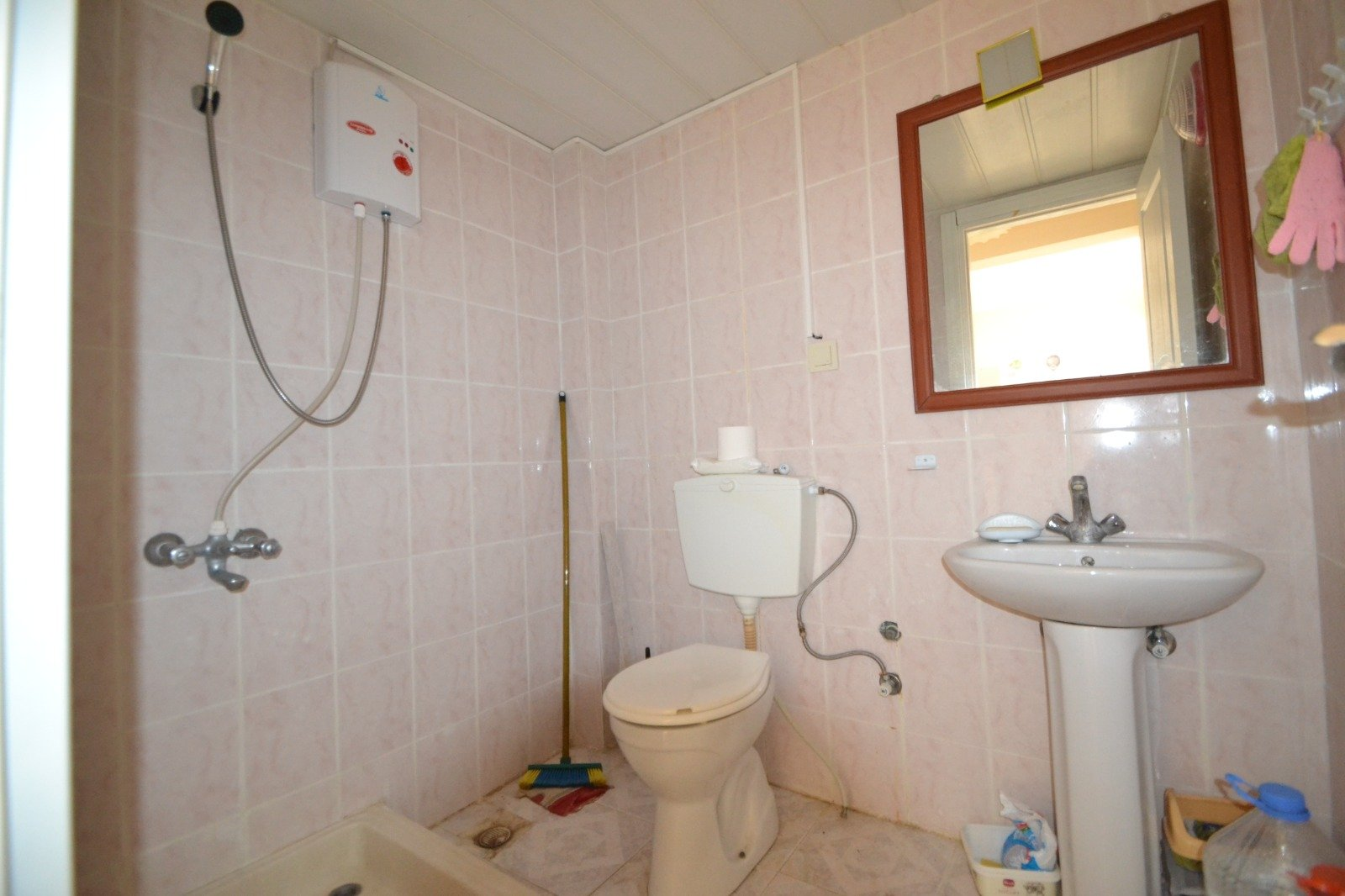 Недорогая меблированная 1+1  квартира в Махмутларе