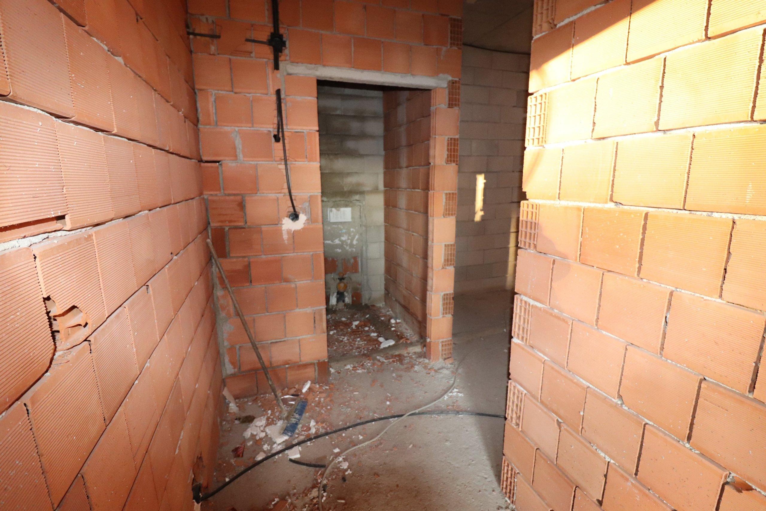 Трехкомнатная квартира в центре города Алании в новостройке