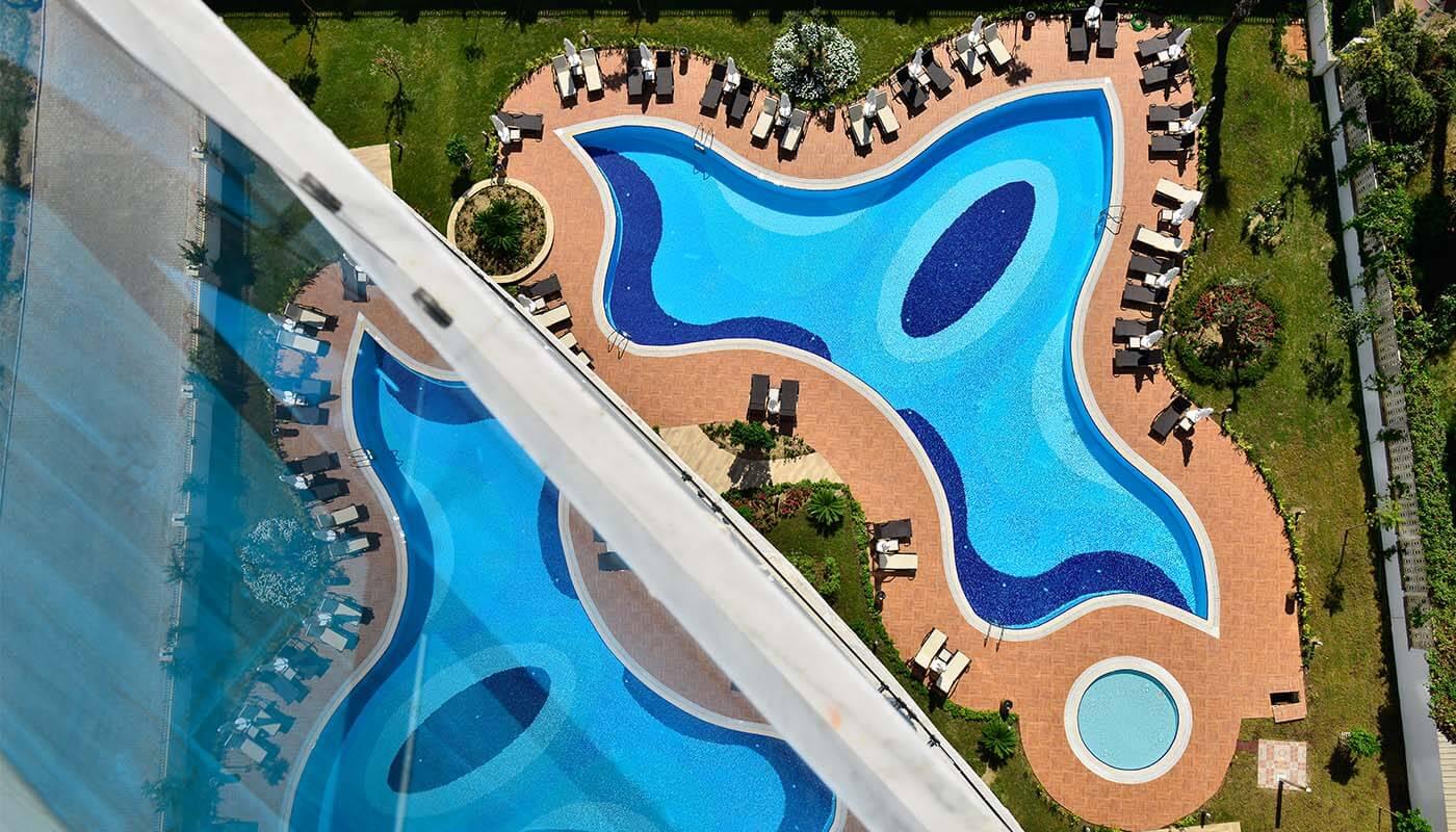 3+1 Пентхаус с огромными террасами с панорамным видом на море и горы в люкс резиденции