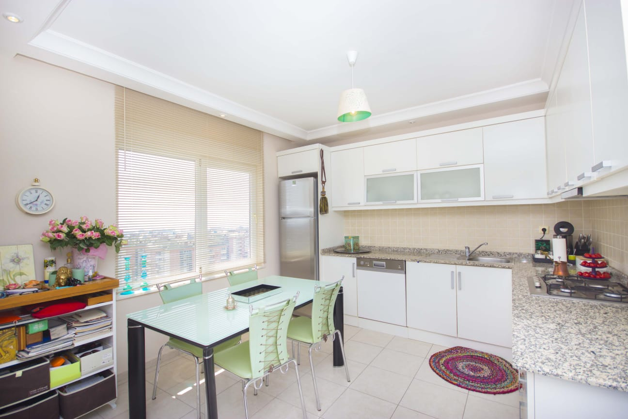 Алания Джикджили  Меблированная Квартира  пентхаус 2+1 в Комплексе с Видом на Город и Море