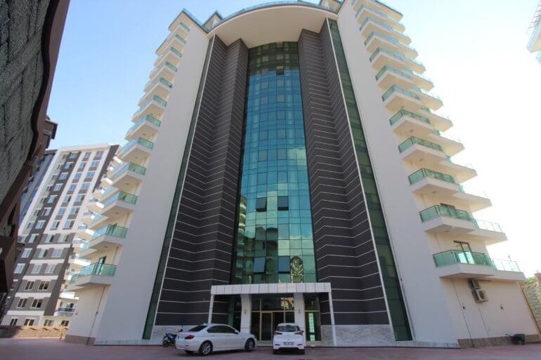 Двухкомнатная меблированная квартира в жилом комплексе с собственным СПА салоном